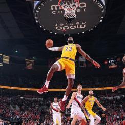 LeBron James, Lakers Fall to Portland in Season Debut