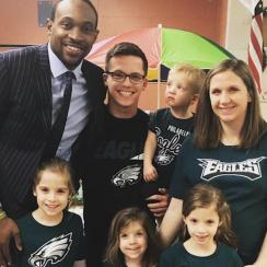 Eagles' Alshon Jeffery Surprises Class of Young Girl Who Wrote Him Supportive Letter