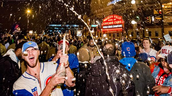 Cubs-champagne-getty2