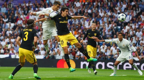 Sundulan Cristiano Ronaldo yang membuka gol pertama untuk Real Madrid