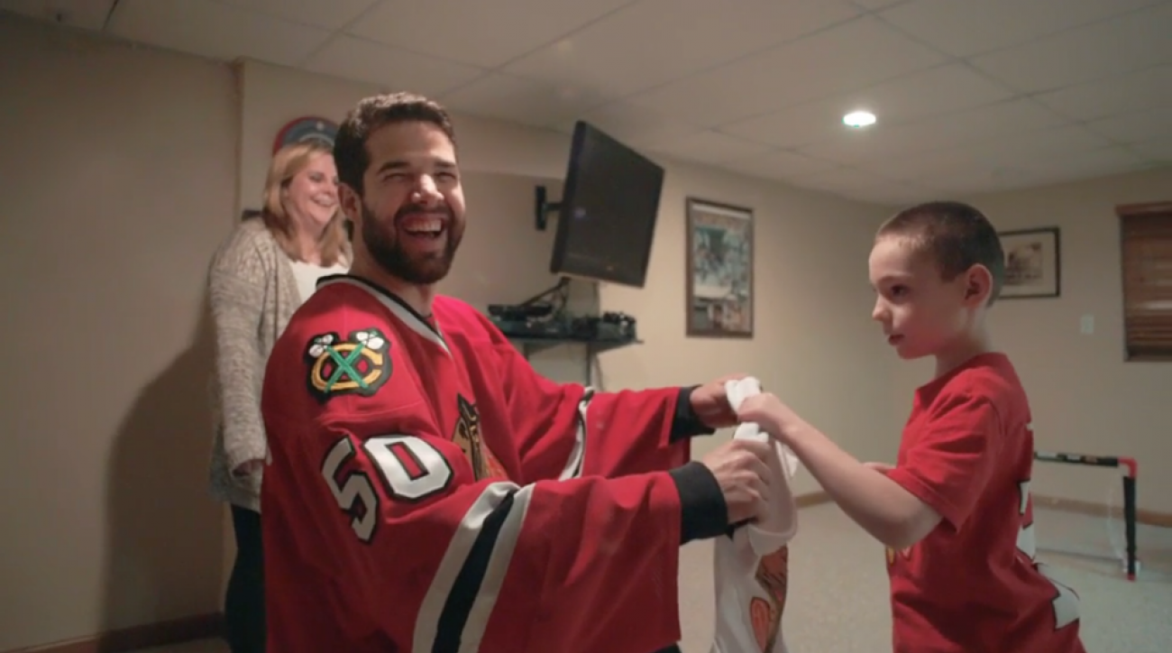 video blackhawks corey crawford babysit fan
