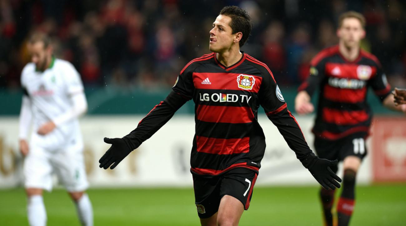 Chicharito scored but was hurt for Bayer Leverkusen on Tuesday