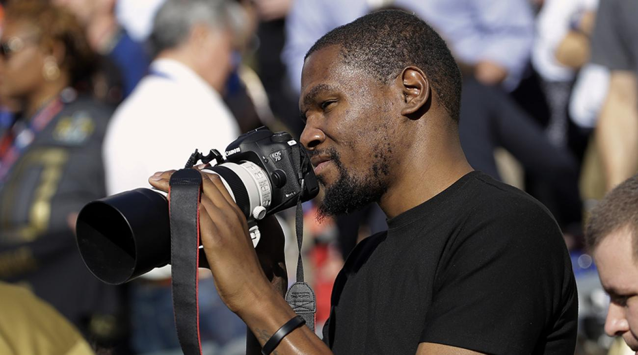 kevin durant super bowl photographer players tribune