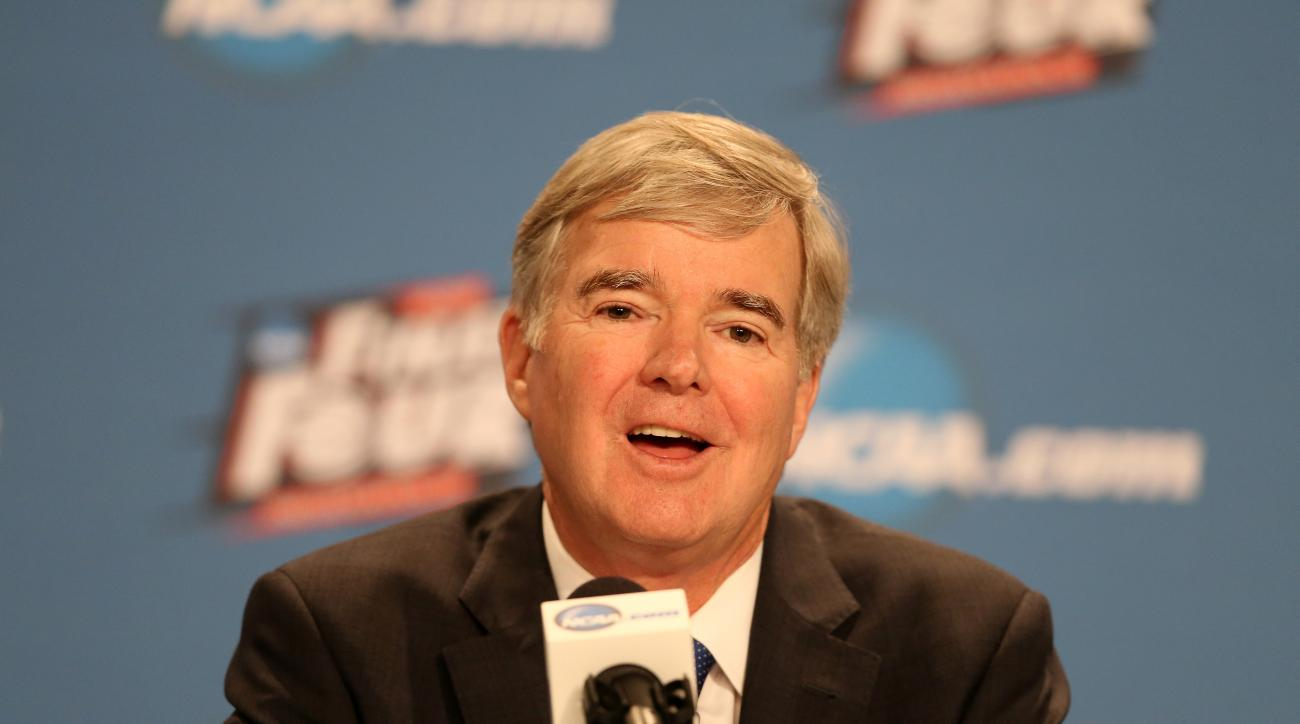 NCAA extends Mark Emmert's contract through 2020
