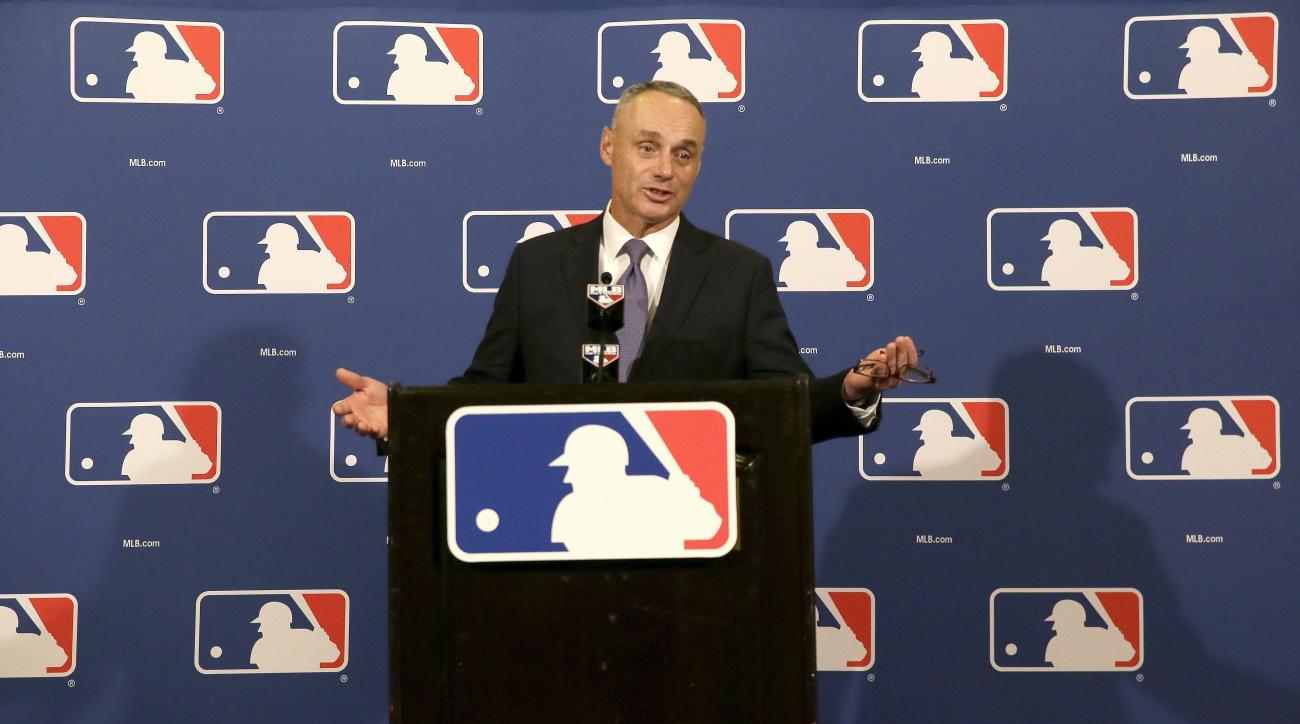 the dh baseball rules A dh is a designated hitter in baseball the american league uses dh's to bat in the lineup so that the pitchers do not need to actually bat in the national league there are no dh's and the.