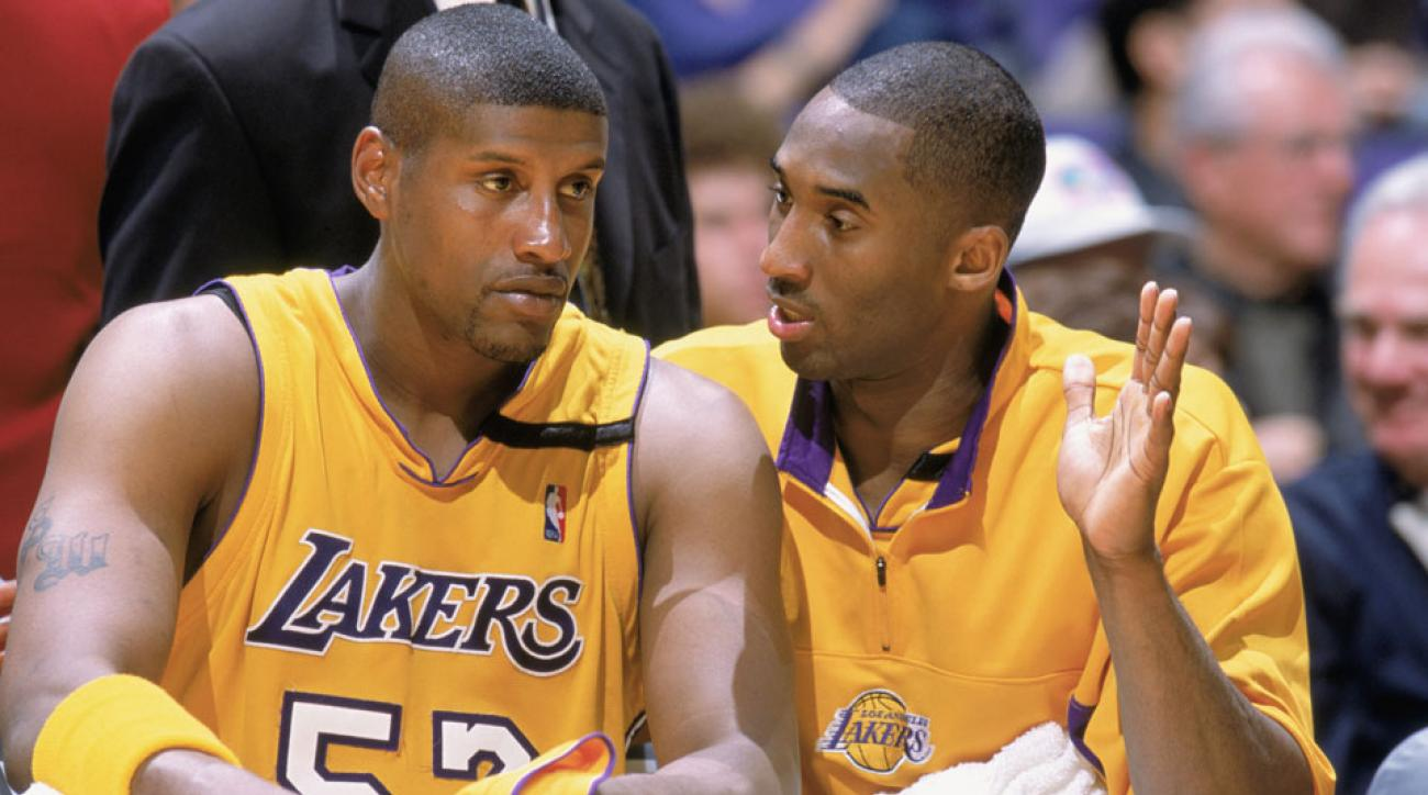 a9997f2da9d9 Lakers  Samaki Walker says Kobe Bryant punched him over  100