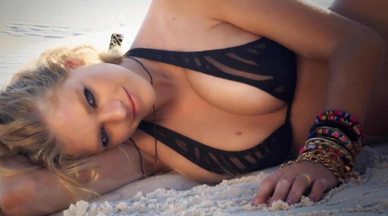 Valerie Van Der Graaf Intimates 2014  Sicom-7362