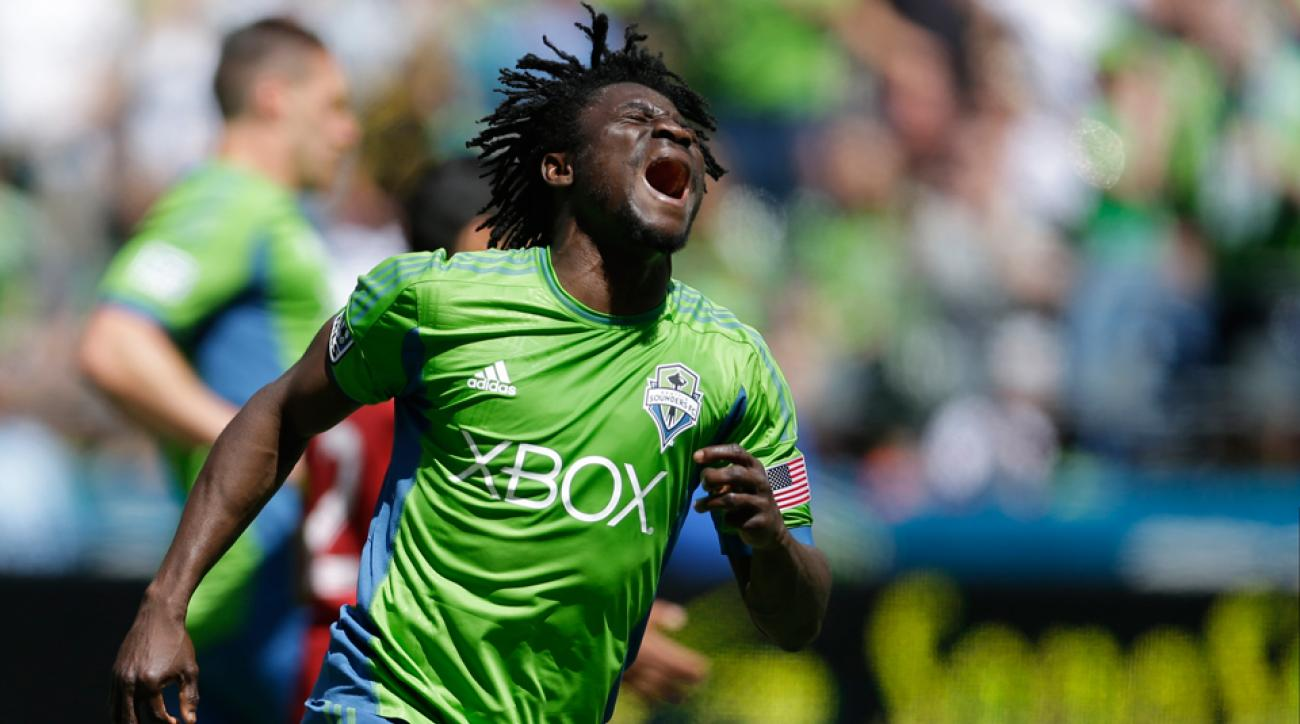 Obafemi Martins scored two goals and was sent off in the Seattle Sounders' 3-2 win over the Chicago Fire Saturday night.