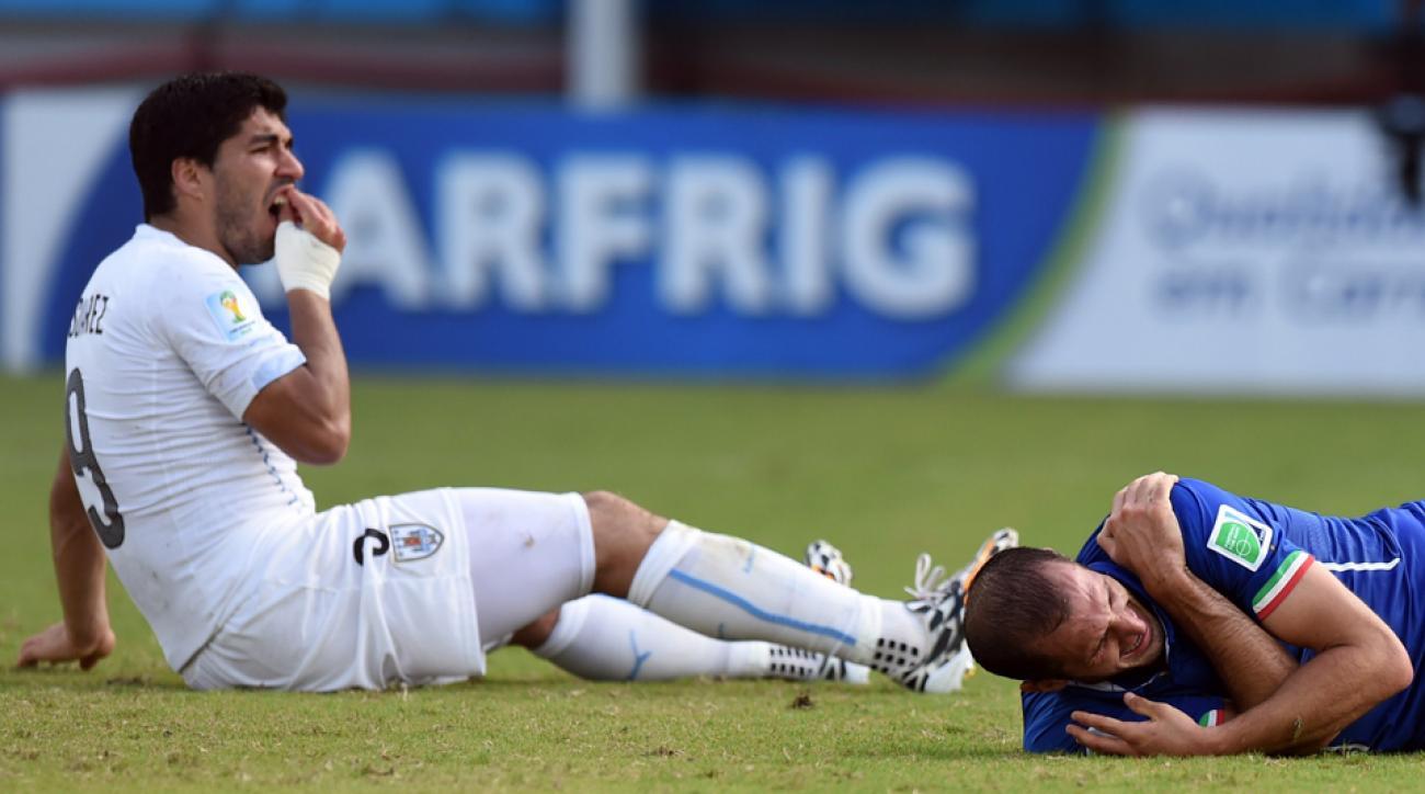 Uruguay's Luis Suarez, Italy's Giorgio Chiellini