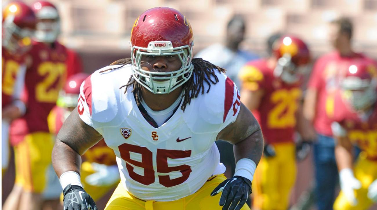 USC's Kenny Bigelow tears ACL, out for season