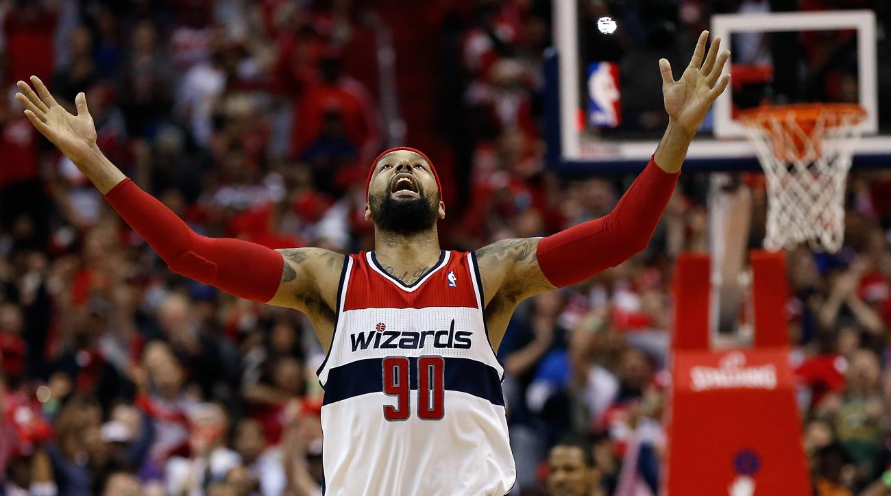 The Washington Wizards re-signed Drew Gooden