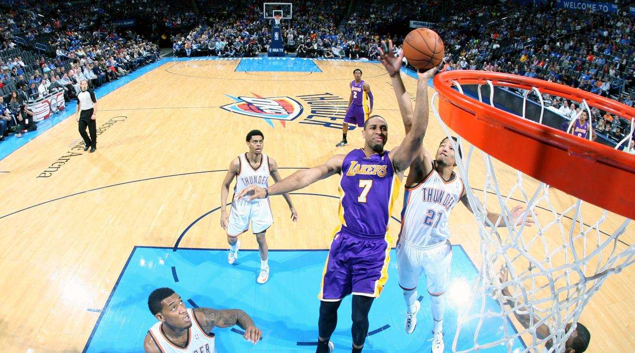 The Los Angeles Lakers re-signed Xavier Henry to a one-year deal
