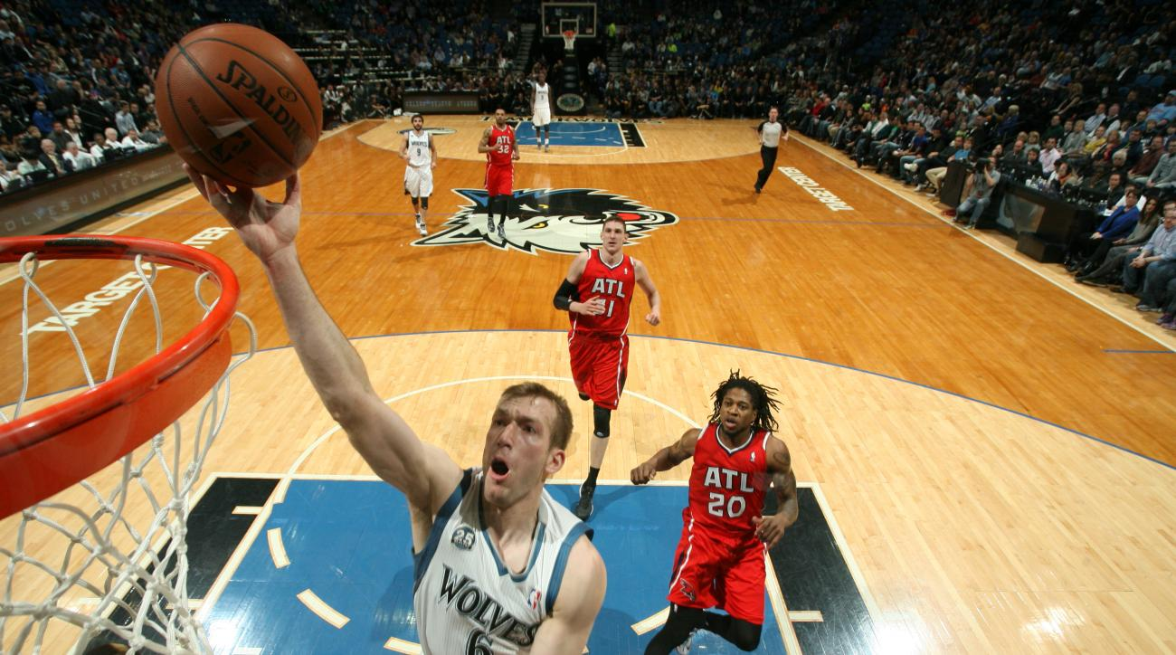 Robbie Hummel re-signs with Minnesota Timberwolves