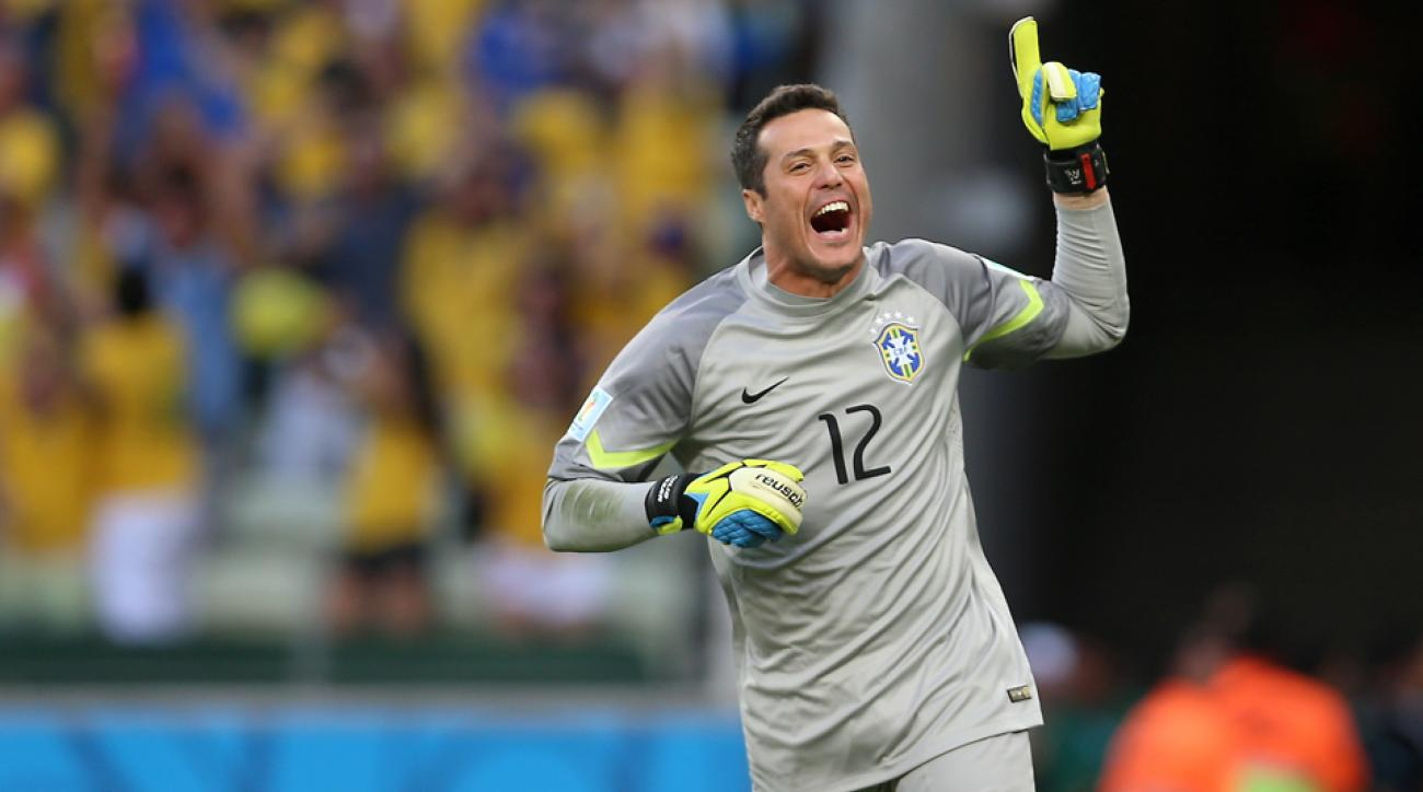 Brazil goalkeeper Julio Cesar is heading back to Queens Park Rangers after his loan to Toronto FC.