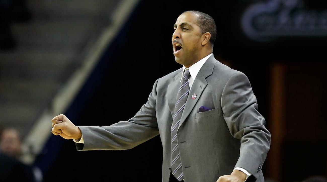 Huskies basketball coach Lorenzo Romar landed 2016 Canadian forward Jermaine Haley Monday