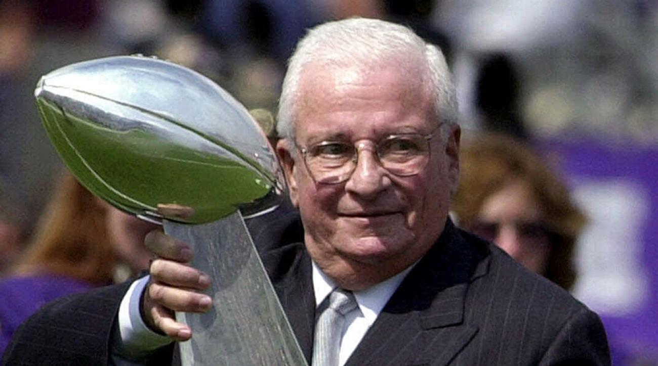 Charges coming for fan who urinated on Art Modell's grave
