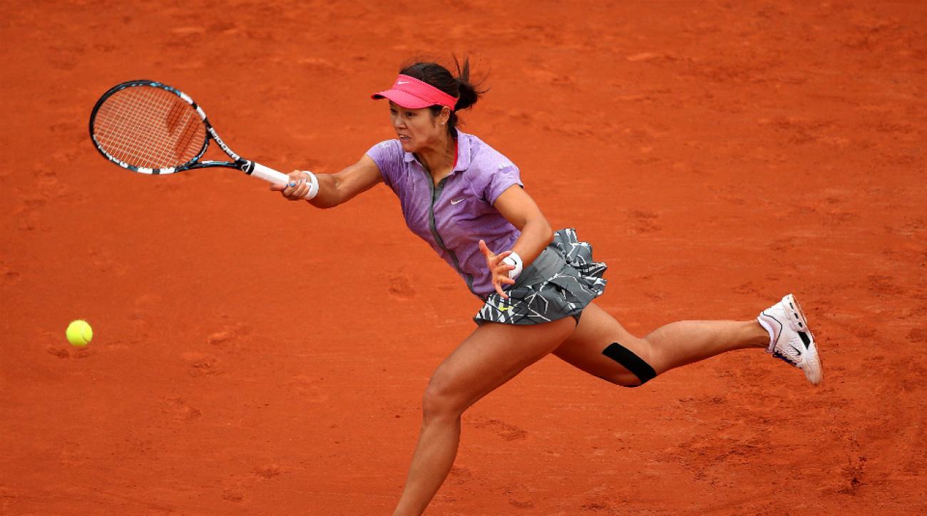 Li Na withdraws U.S. Open knee injury