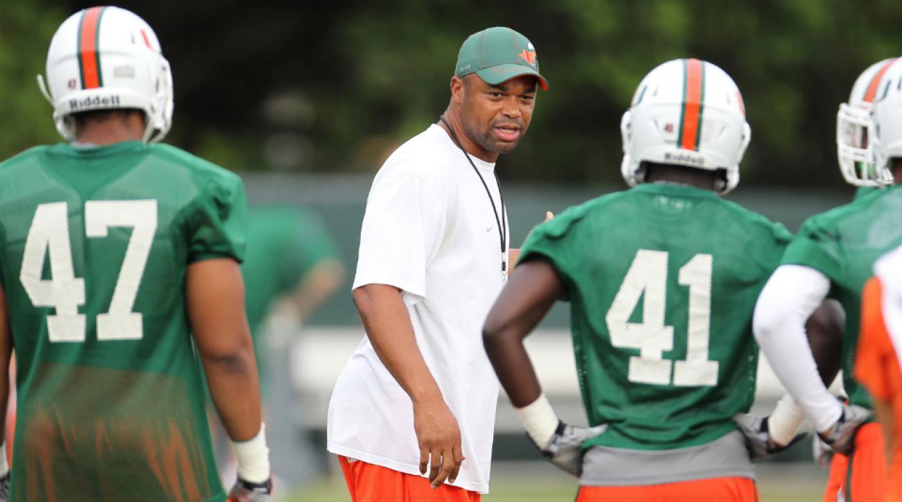 Miami assistant coach Michael Barrow steps down