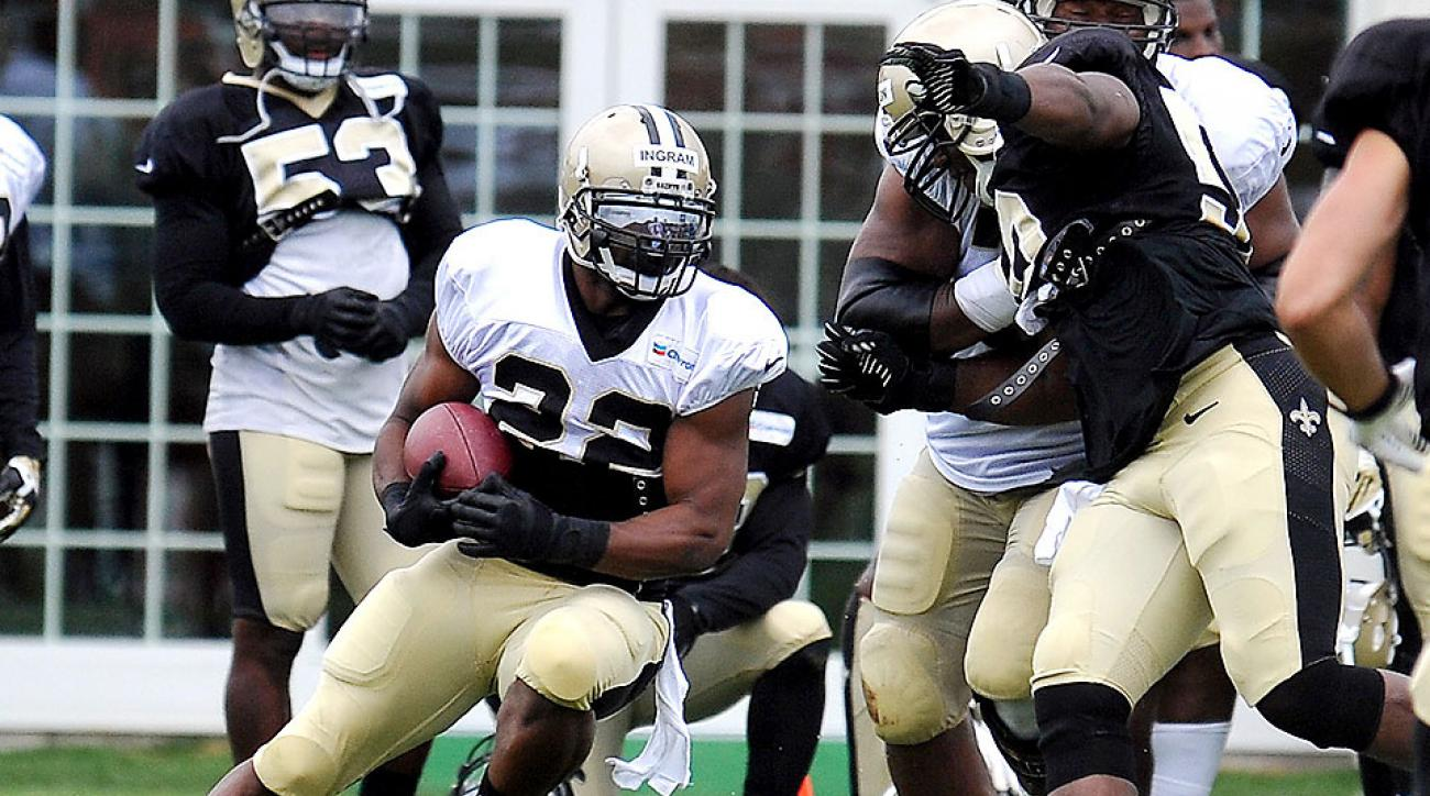 Mark Ingram runs the ball during New Orleans Saints training camp