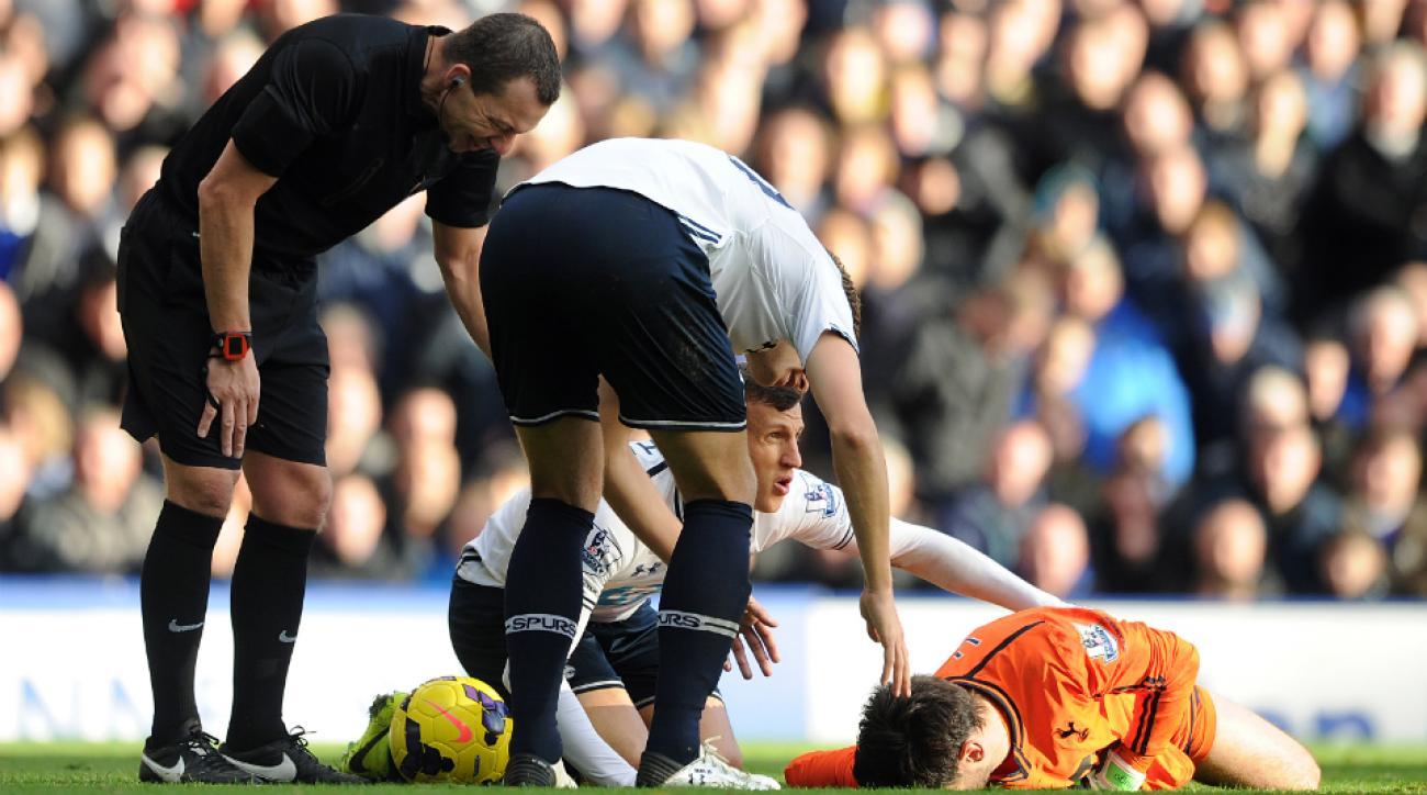Tottenham Hotspur goalkeeper Hugo Lloris head injury