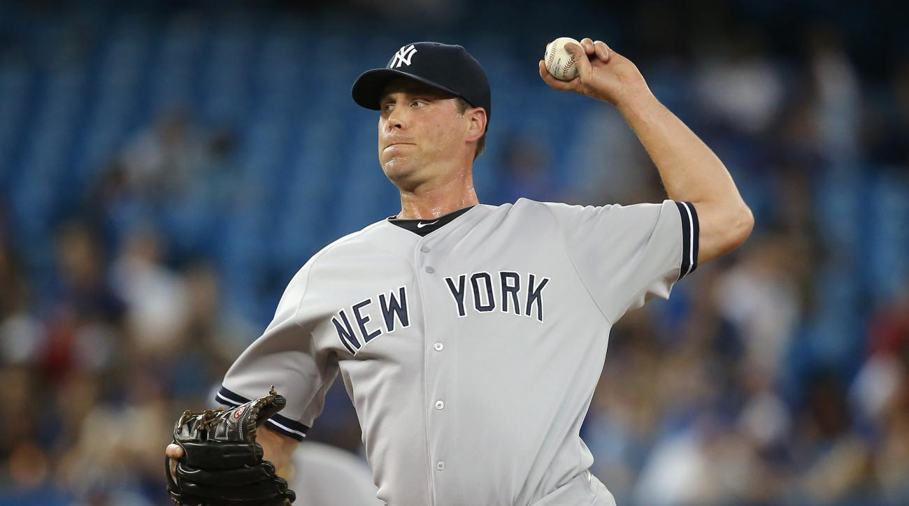 The Washington Nationals claimed reliever Matt Thornton off waivers from the New York Yankees.
