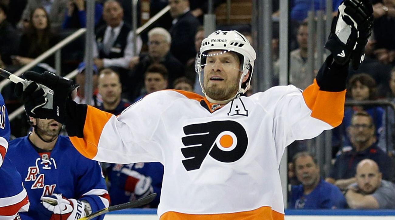 Blood clots in his right leg and lung could force 39-year-old Flyers defenseman Kimmo Timonen into early retirement.