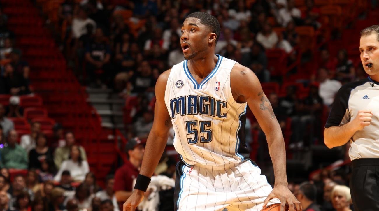 """The Cleveland Cavaliers are giving """"strong consideration"""" to signing guard E'Twaun Moore."""