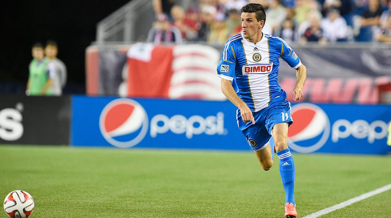 Sebastien Le Toux scored two goals and the Philadelphia Union beat Montreal 2-1 to hand the Impact a seventh straight loss.