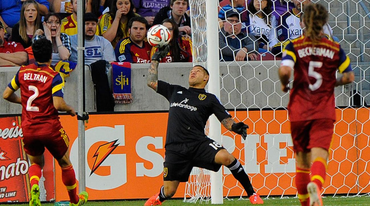 Nick Rimando broke the MLS record with his 113th shutout in Real Salt Lake's 3-0 victory over D.C. United.