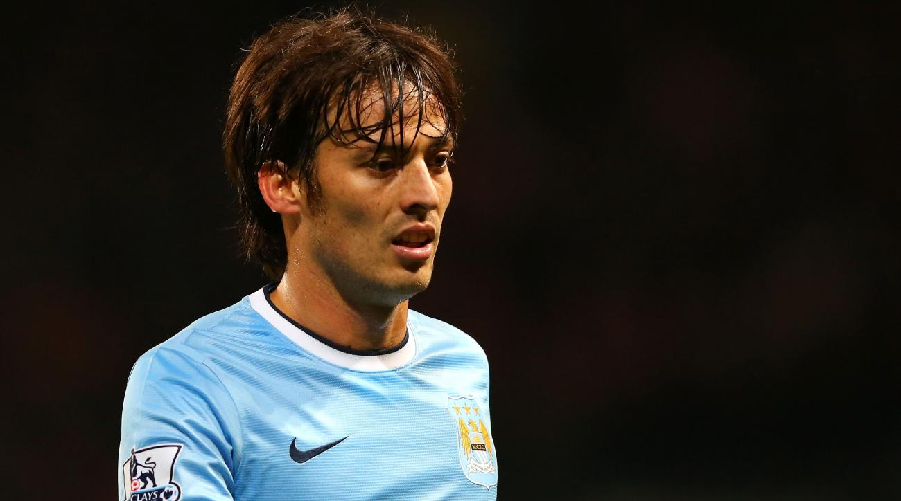 David Silva signs new contract with Man City
