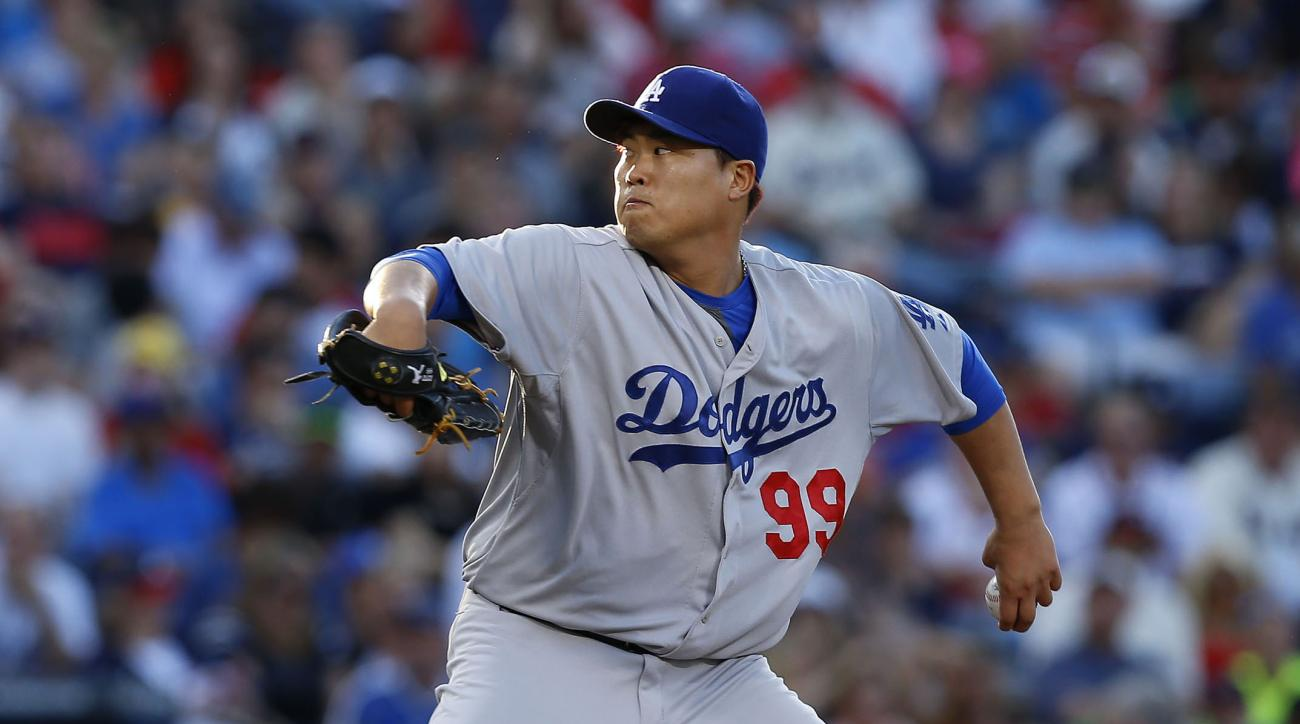 Dodgers pitcher Hyun-Jin Ryu injures glute