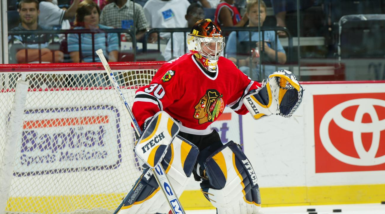 chicago blackhawks michael leighton flyers hurricanes sign one year deal corey crawford goalie goaltender goal