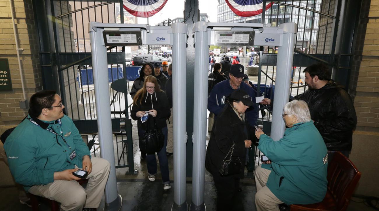 Yankees install metal detectors