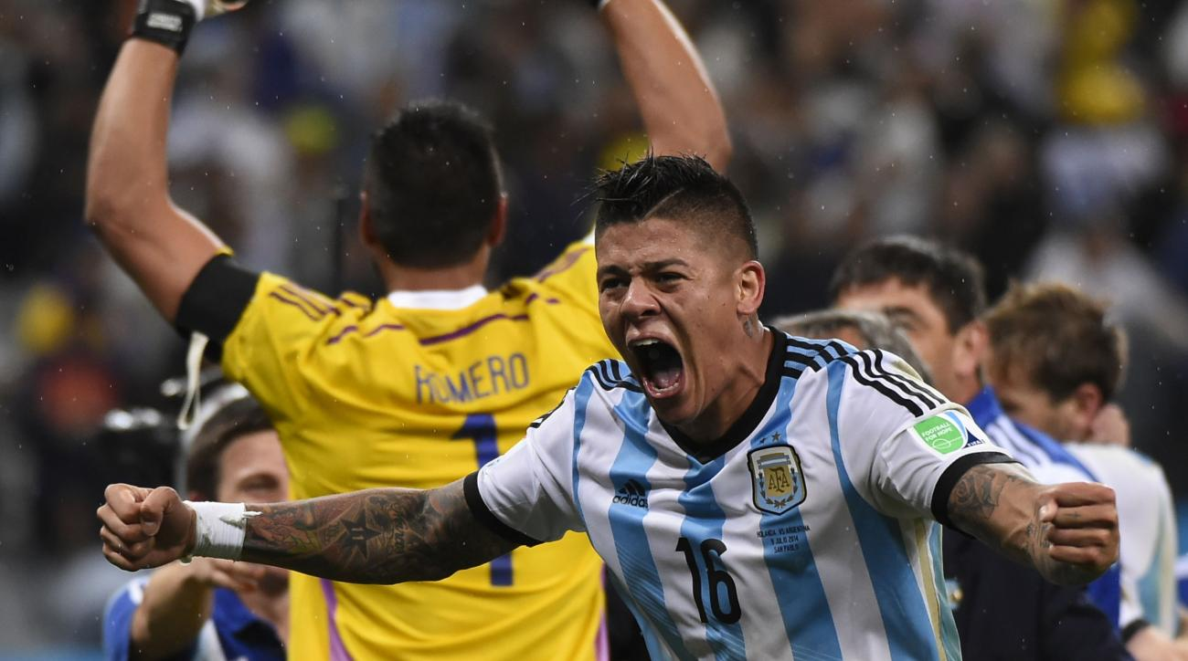 Marcos Rojo joins United