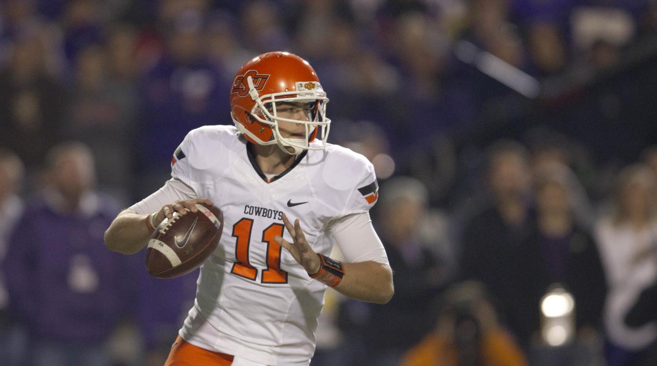 Illinois named Oklahoma State transfer Wes Lunt the starting QB.