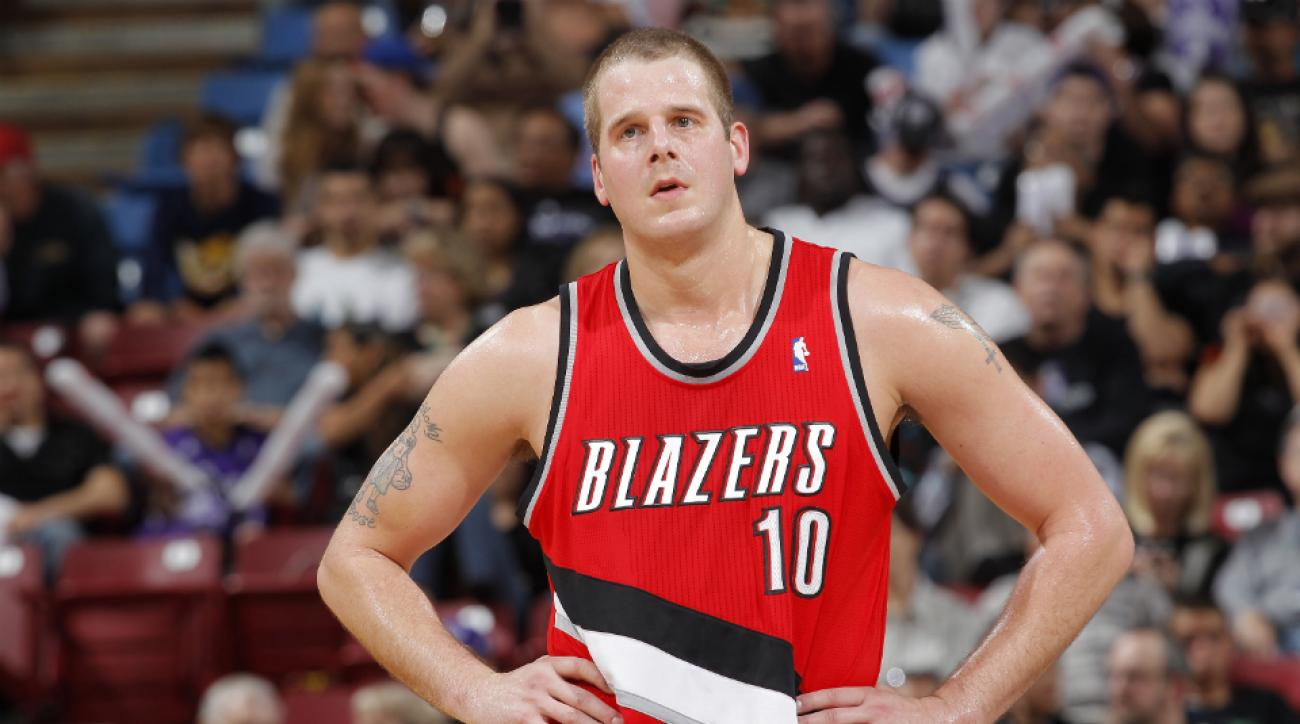 Joel Przybilla retires from NBA