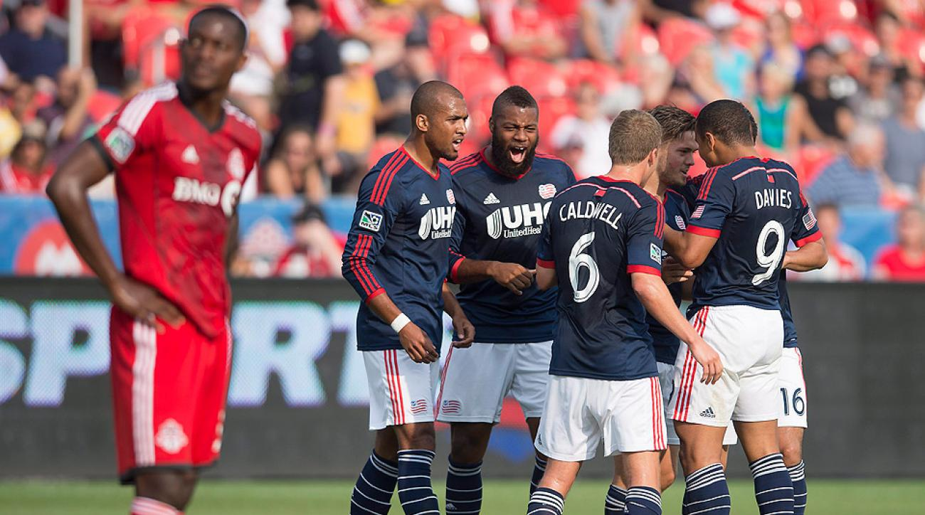Lee Nguyen, Kelyn Rowe and Teal Bunbury scored in New England's 3-0 victory over Toronto FC.