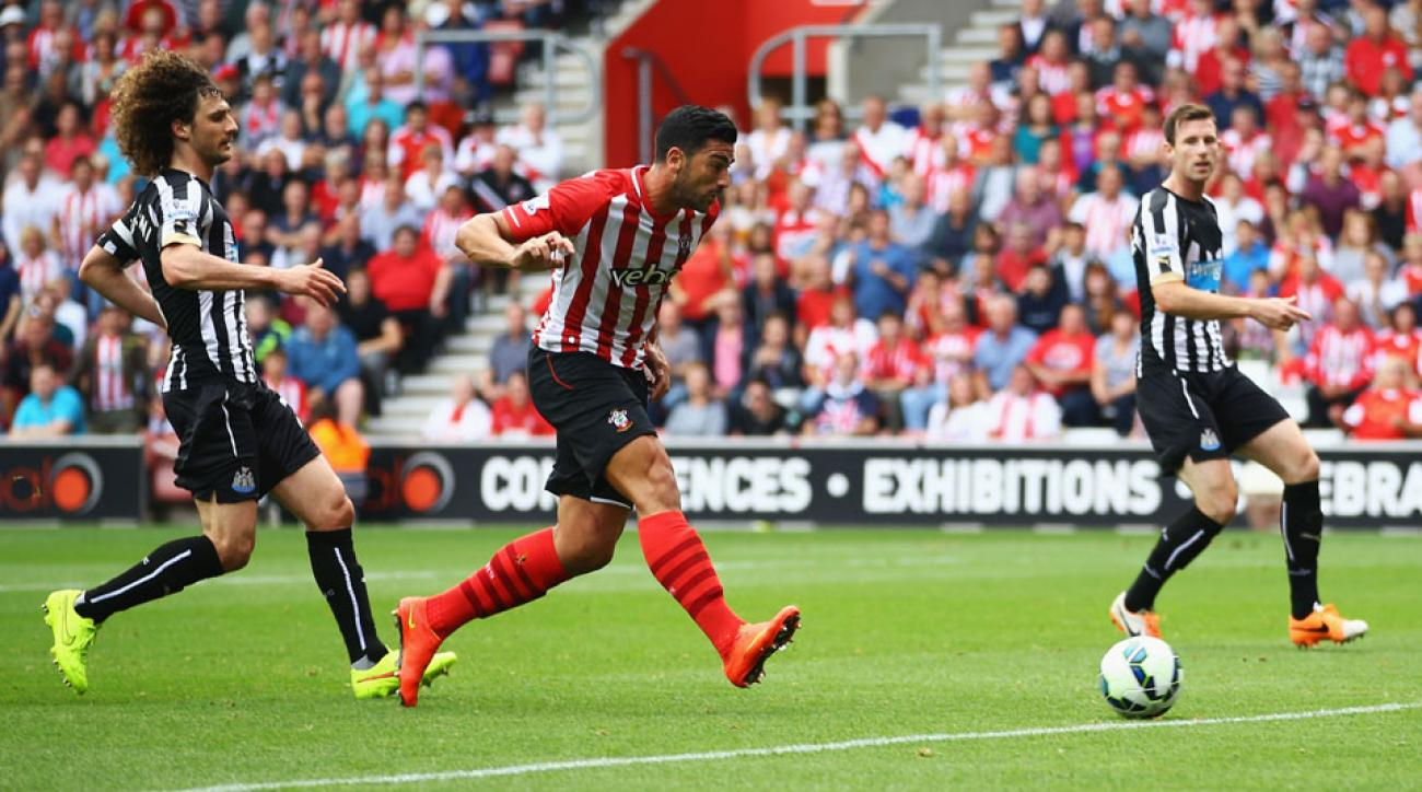 Newcomer Graziano Pelle scored two goals as Southampton ran over NEwcastle 4-0 at St. Mary's on Saturday.