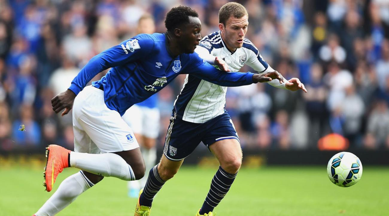 Romelu Lukaku scored the winning goal against his former club to help Everton capture its first win of the EPL season.