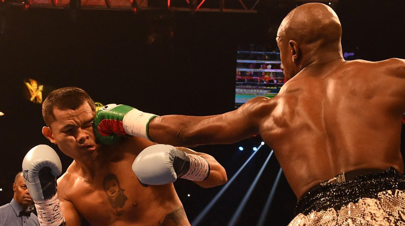 Floyd Mayweather beats Marcos Maidana in unanimous decision