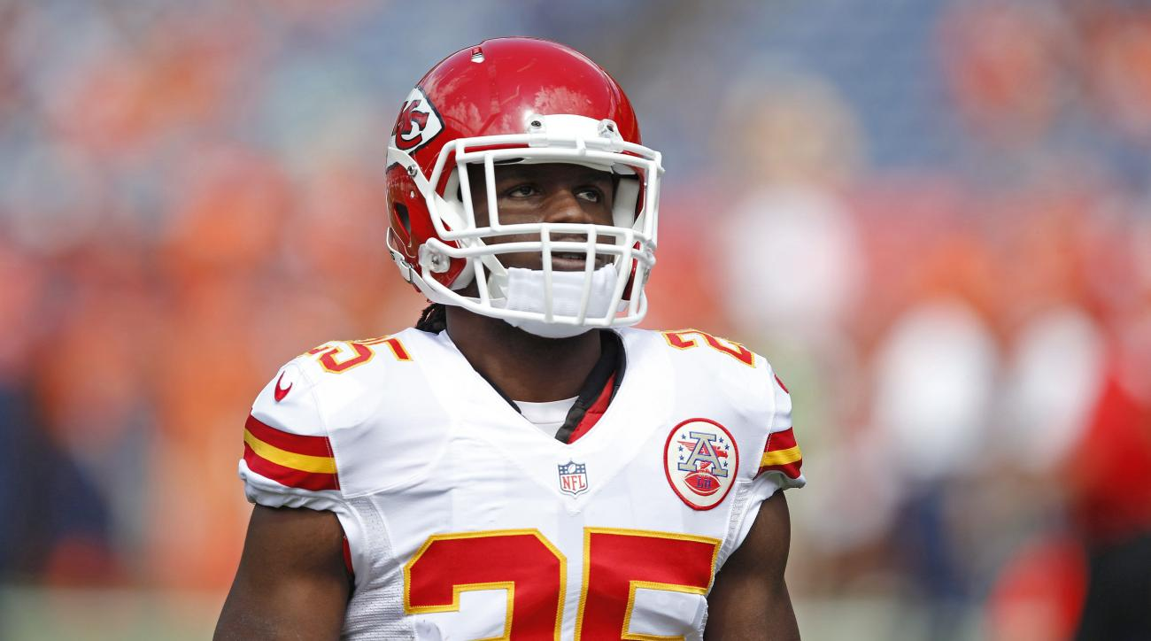 Chiefs Jamaal Charles practices