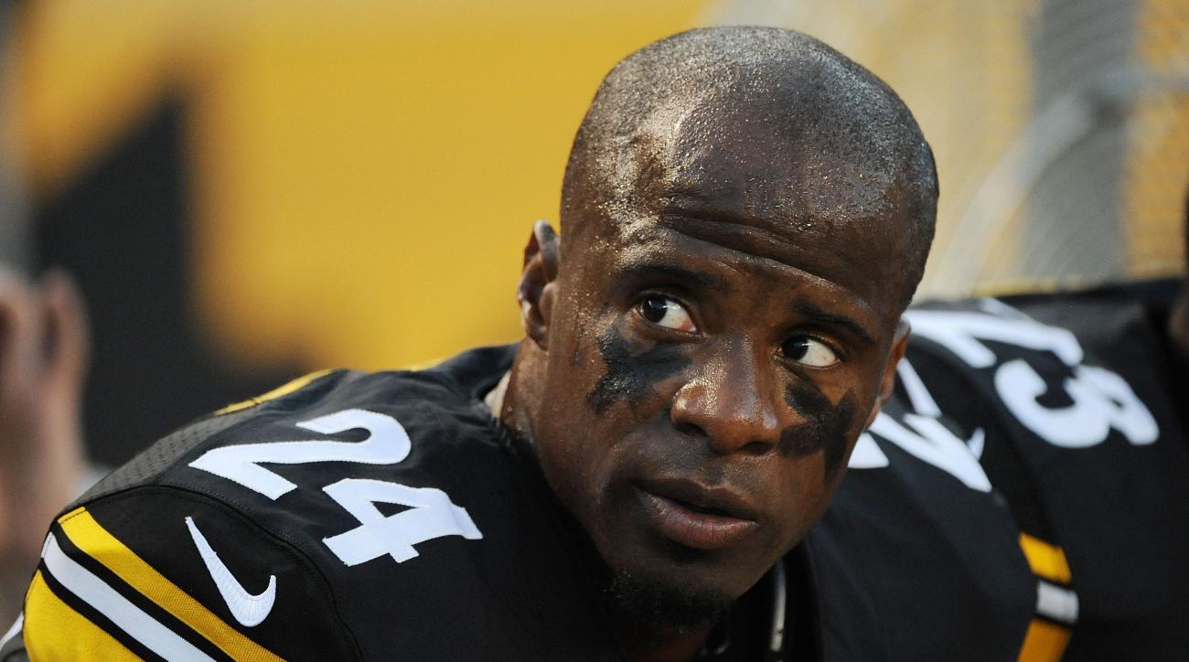 Steelers' Ike Taylor arm