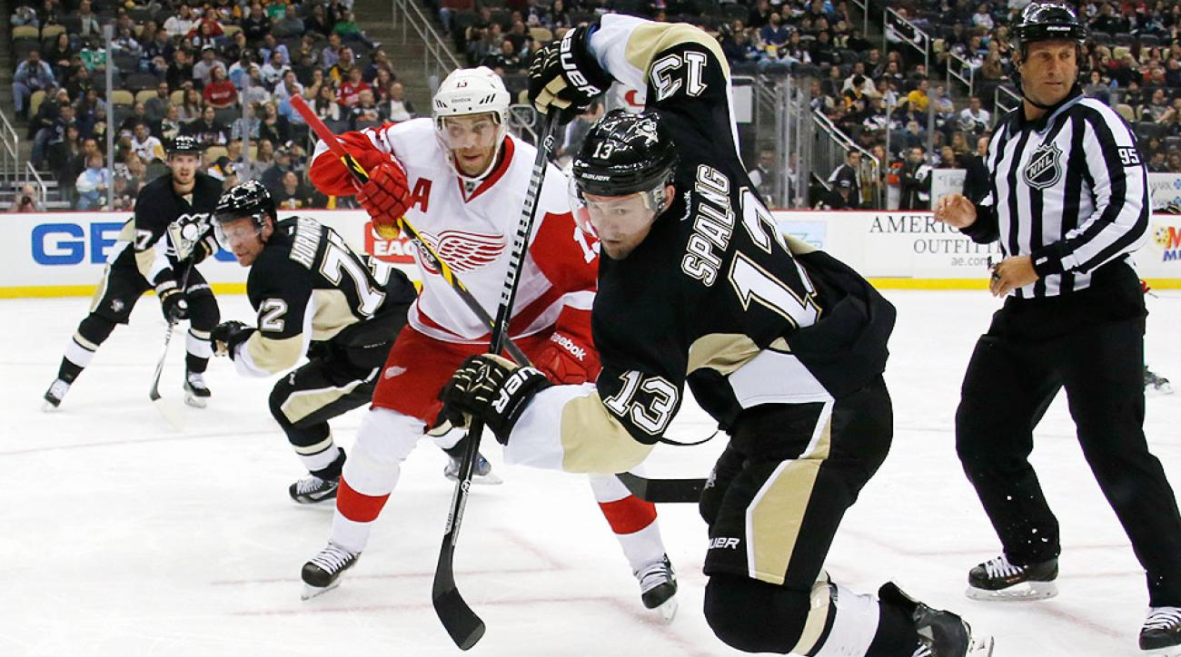 Detroit center Pavel Datsyuk suffered a second degree separation of his right shoulder as a result of a hard collision against Pittsburgh.