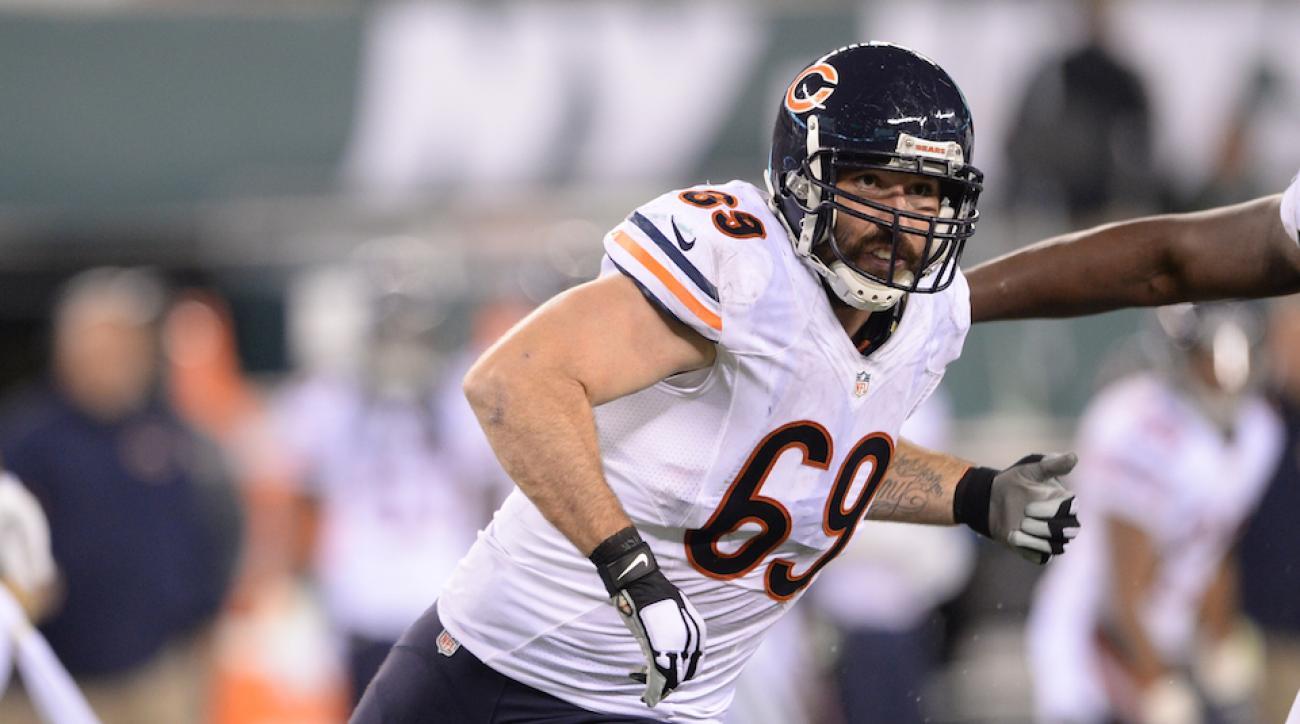 Jared Allen, Chicago Bears DE, sidelined with pneumonia