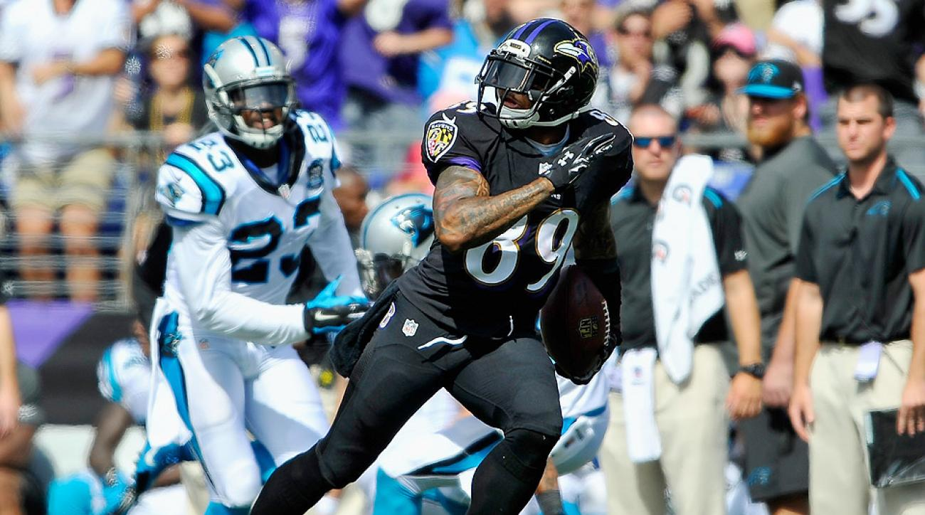 Baltimore Ravens' Steve Smith catches tipped pass for first TD against Carolina Panthers