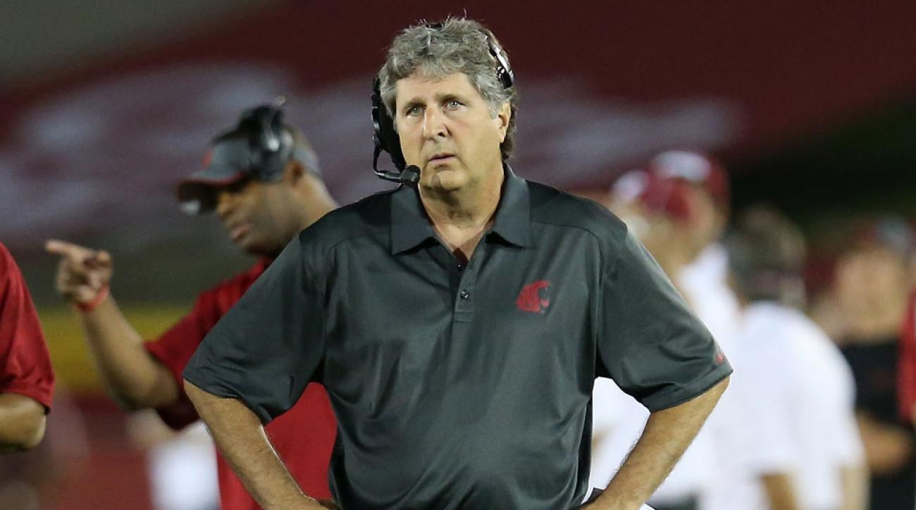 Washington State football head coach Mike Leach has strong opinions on technology | SI.com