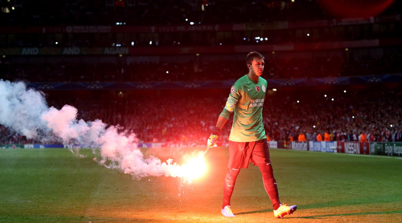 Galatasaray flare crowd trouble