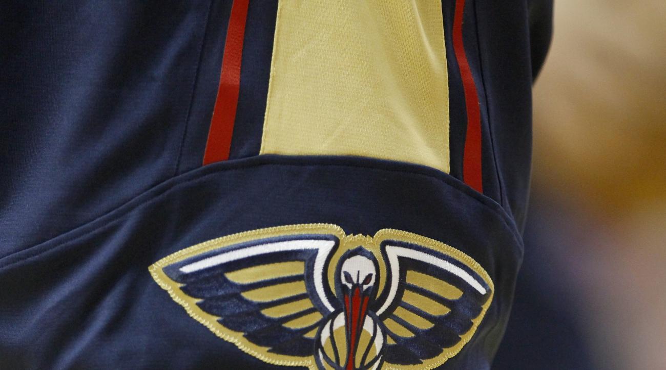 Pelicans logo, home court, Smoothie King Center, New Orleans, design, NBA