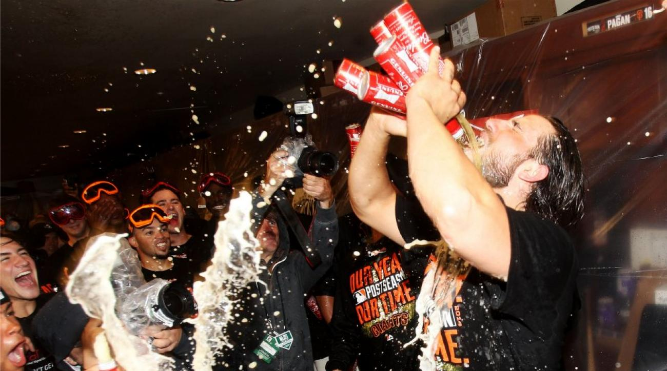 Madison Bumgarner celebrates NLDS win with 5 beers at once