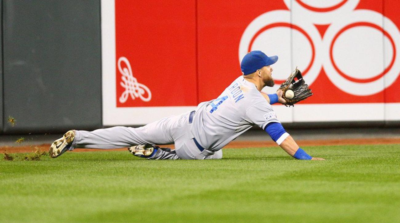 The Royals' Alex Gordon made a spectacular catch in left field against the Orioles.